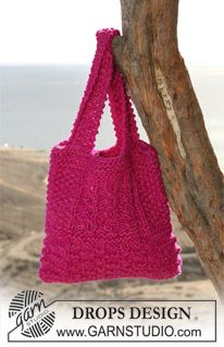 "DROPS bag in textured pattern in ""Eskimo"" and ""Drops Ice"". ~ DROPS Design"