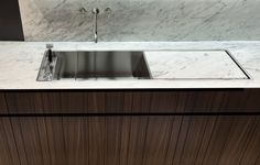Poliform double bowl sink with cover. Faucet is wall mount but they could have used a periscoping faucet to be mounted onto the deck of the sink Wall Storage Systems, Double Bowl Sink, Beautiful Kitchen Designs, Wooden Kitchen, Kitchen Sink, Kitchen Flooring, Kitchen Interior, Home Remodeling, Kitchen Renovations