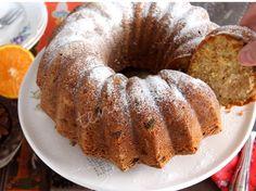 Kayısılı, üzümlü yumuşacık bir kek tarifi. Kayısı Güzeli...