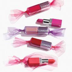 Clinique Pop Lip Colour + Primer — это насыщенный цвет помады  и увлажнение губ в одной формуле! Выразительный и привлекательный бархатистый оттенок сохраняется на губах в течение всего дня. www.letu.ru