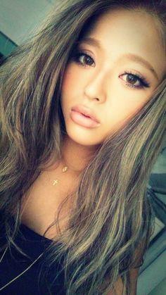 Maiko Sano. Japanese gyaru and model for Egg and Blea. Tokyo Fashion. Gyaru makeup and Circle Lenses #selfie