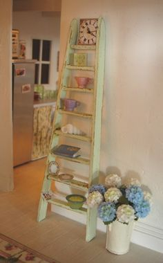 Carolyn's Little Kitchen: An old ladder for the cottage