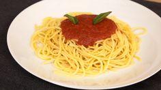 Todo amante de la cocina debe hacer salsa de tomate al menos una vez en la vida…