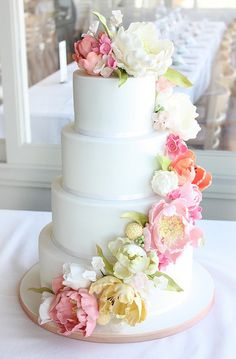 Floral Favourite Wedding Cake