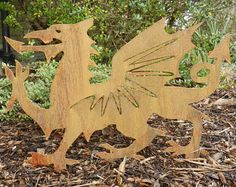 Rusty Metal Welsh Dragon / Welsh Dragon by RustyRoosterMetalArt St Dwynwens Day, Saint David's Day, Welsh Symbols, Sculpture Art, Garden Sculpture, Dragon Garden, Welsh Gifts, Welsh Dragon, Metal Garden Art