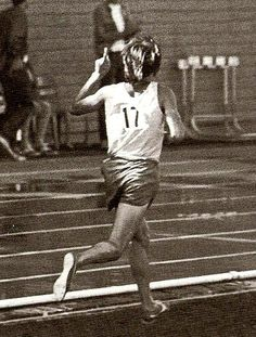 Steve Prefontaine, number 17, Hayward Field, Eugene, Oregon, in 1972 or 1973 by The Happy Rower, via Flickr