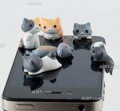 Kitty cats for your #iPhone - Nyanko Earphone Jack Accessory #Kawaii