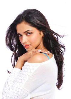 Most Beautiful Bollywood Actress, Beautiful Actresses, Indian Film Actress, Indian Actresses, Dipika Padukone, Deepika Padukone Style, Indian Bridal Lehenga, Indian Sarees, Le Jolie