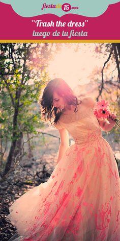 """Cuando piensas en tus quince años: la fiesta, el vestido, la sesión de fotos, y todo lo que ellos implican, concluyes en que todo debe ser fabuloso y perfecto; tanto que en algunos casos tienes poco tiempo para disfrutar, así que, ¿Qué tal un sesión de fotos donde puedas divertirte y desinhibirte? Anímate a pasarla bien y reflejar tu personalidad al mejor estilo """"trash the dress""""."""