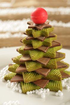 """El mejor antojo para este miércoles """"ARBOL GALLETA"""" de la @reposteriaastor    www.elastor.com.co Cookies, Christmas, Ideas, Cooking, Recipes, Creativity, Blue Prints, Crack Crackers, Xmas"""