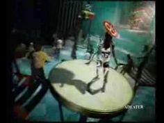 Pub Perrier - 1998 - YouTube