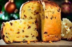 Discover the Italian Panettone recipe, Dessert to be made easily with . Panettone Rezept, Stollen Bread, Italian Panettone, Baking Recipes, Dessert Recipes, Russian Recipes, Italian Dishes, Easter Recipes, Sweet Recipes