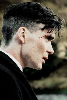 Image uploaded by Find images and videos about cillian murphy, peaky blinders and joe cole on We Heart It - the app to get lost in what you love. Peaky Blinders Tommy Shelby, Peaky Blinders Thomas, Cillian Murphy Peaky Blinders, Thomas Shelby Haircut, Peaky Blinders Wallpaper, Peaky Blinders Quotes, Red Right Hand, Haircut Designs, Boardwalk Empire