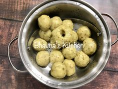 "My new recipe of making Khichu(papdi no lot) with Baking Soda instead of ""papad kharo"". Gujarati Cuisine, Gujarati Recipes, Indian Food Recipes, New Recipes, Indian Street Food, Rice Flour, Gluten Free Recipes, Baking Soda, Side Dishes"