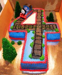 Birthday cake ideas for boys thomas the train 66 Super Ideas Thomas Birthday Cakes, Thomas Birthday Parties, Thomas Cakes, Thomas The Train Birthday Party, Trains Birthday Party, Cupcake Birthday Cake, Fourth Birthday, Boy Birthday, Train Party