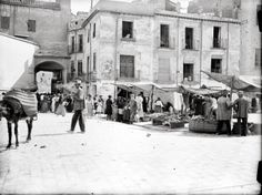 Murcia, San Francisco-Verónicas was one of the most damaged by the action of the radical political left between This picture was taken by photographer Otto Wünderlich facing the Verónicas Arch. Murcia, Verona, Valencia, Photo Journal, Granada, Madrid, Empire, San Francisco, Tower