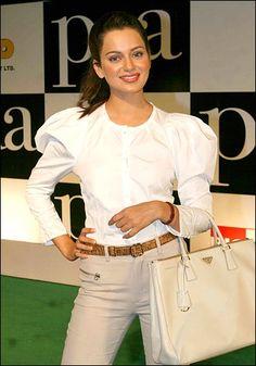 Kangana Ranaut style. Kangna Ranaut carrying Prada.