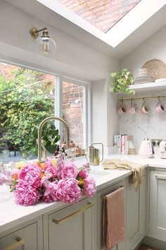 How Lighting Can Impact Your Kitchen Design - Swoon Worthy