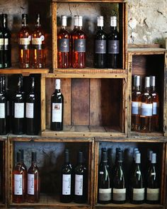 Unique idea for a wine display. #wine #winetasting #winewednesday #winetime…