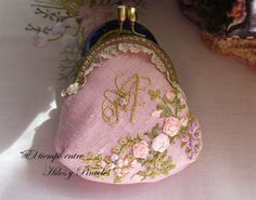 pretty embroidered coin purse tutorial - handbags, small, women\'s, givenchy, fringe, brahmin purse *ad Coin Purse Tutorial, Vintage Jewelry Crafts, Hand Embroidery Videos, Frame Purse, Coin Purse Wallet, Coin Purses, Ribbon Work, Silk Ribbon Embroidery, Purse Patterns