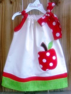 Love the clean simplicity of this pillowcase dress and also the polka dots!