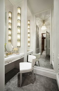 love this sooo much & good ideas for dressing tables and where to put them <3