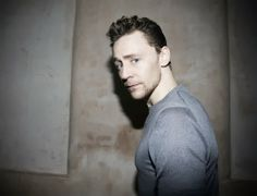 TOM HIDDLESTON para Elle UK y backstage de Coriolanus ~ ActorsZone