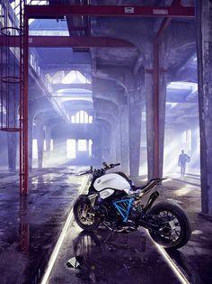 RocketGarage Cafe Racer: BMW Roadster Revolution