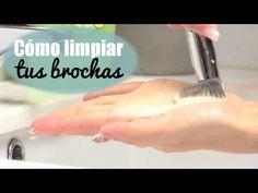 Cómo limpiar tus brochas, esponjas y pinceles de maquillajePaty Cantú