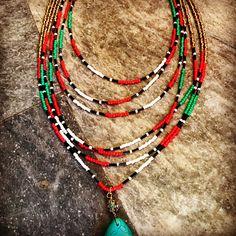 Πολυ Εντυπωσιακό πολλαπλό καλοκαιρινό χειροποίητο κολιέ με χάντρες γυάλινες seed bead και κρεμαστό στοιχείο τιρκουάζ με στρας Diy Jewelry, Handmade Jewelry, Arts And Crafts, Beaded Necklace, Create, Bracelets, Beautiful, Beaded Collar, Handmade Jewellery