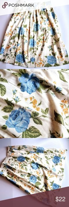 """Vtg linen blue roses skirt medium m ivory floral Pretty vintage skirt. Breezy linen fabric. Size Medium. Ivory color with blue roses, yellow flowers, and green leaves print. In very good used condition with one faint stain that is really hard to notice unless you look close. From a smoke free home. Offers welcome:) Flat measurements- Waist: 34"""" Length: 30.5"""".  PoshF8858rose8g6d Vintage Skirts Midi"""