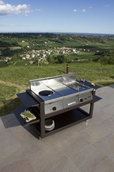 Italy cubes and stars on pinterest for Mobili cucine professionali