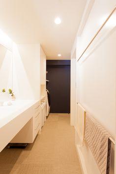 中古を買ってリノベーションの相談はEcoDeco.リノベーションの事例写真たくさんあります。不動産購入、リノベの相談無料。#リノベーション#インテリア#東京#照明#家づくり#home #house#趣味#趣味を楽しむ#整理整頓#暮らし#玄関#ヴィンテージ#洗面#洗面インテリア#洗面所 Alcove, Bathtub, Bathroom, House, Ideas, Standing Bath, Washroom, Bathtubs, Home