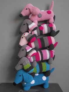 Crocheted dachshunds @Allyscia Pixley . . . want me to make you one of these?
