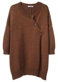 Garment Design Detail - A Détacher, buttoning along neckline