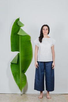#Canotta strutturata in tela di #ortica 100%. É realizzata in taglia unica e veste dalla 40 alla 44. filotimo.it