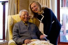 US Secretary of State Hillary Clinton meets Nelson Mandela, the former President of South Africa, at his home in Qunu. Mr Mandela, in failing health, has only seen a few visitors outside his family in recent years. Hillary Rodham Clinton, Hillary Clinton 2016, Bill And Hillary Clinton, Nelson Mandela, South Africa Tours, Gil Scott Heron, Hair Icon, Down South, Us Presidents