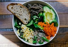 Eating at your desk just got a little healthier. A new crop of grab-and-go spots are serving local green salads, organic meats, and better grains like quinoa.
