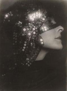 Trude Fleischmann: Die Schauspielerin Sibylle Binder, um 1935; © Albertina, Wien