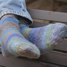 Beginner socks for magic loop - fingering - multi. FREE PATTERN for toe-up or to. Beginner socks for magic loop - fingering - multi. FREE PATTERN for toe-up or top-down with link to 'Judy's Magic Cast o. Knitted Socks Free Pattern, Baby Knitting Patterns, Knitting Stitches, Knitting Socks, Knit Socks, Free Knitting, Crochet Patterns, Magic Loop Knitting, Sock Yarn