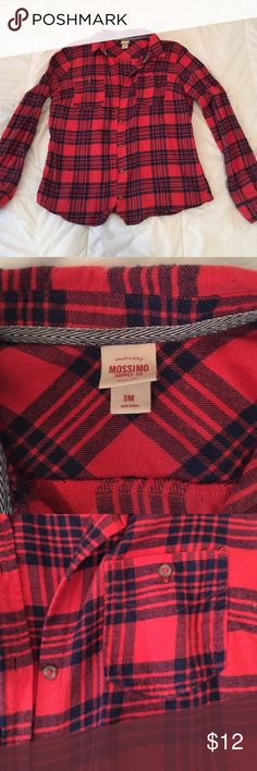 Mossimo Red and Navy Flannel Shirt Medium Super soft and comfortable Merona flannel in red and dark navy plaid. Size medium but fits like a small. Buttons and double breast pockets. Mossimo Supply Co Tops Button Down Shirts