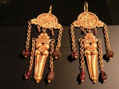 A PAIR OF ROMAN GOLD EARRINGS, 1ST CENTURY BC - 1ST CENTURY AD For Sale | Antiques.com | Classifieds
