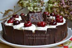 Aprende a preparar una de las tartas de chocolate más famosas: la tarta selva negra