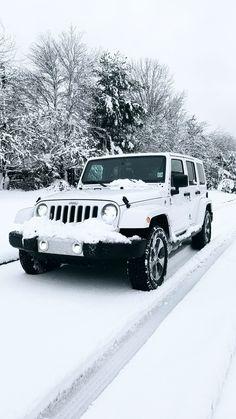 All white Jeep Sahara Unlimited Auto Jeep, Jeep Cars, Jeep Jeep, Wrangler Jeep, All White Jeep Wrangler, Jeep Wranglers, Dream Cars, My Dream Car, Car For Teens