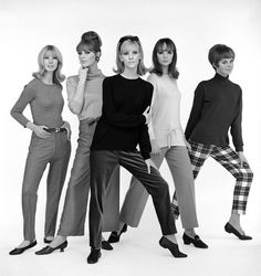 Sixties girls, photo John French  dear sixties, please come back!