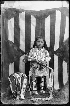 Shoshone) Date: 1897 Location: Pocatello, Idaho Native Child, Native American Children, Native American Pictures, Native American Clothing, Native American Wisdom, Native American Tribes, Native American History, Walk In The Spirit, Portraits