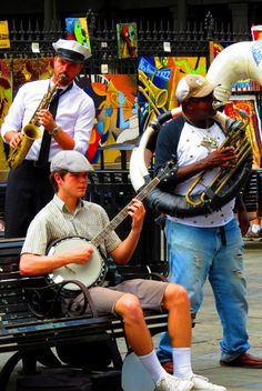 Love music? More importantly, love jazz? March and April in the US brings plenty of jazz into the limelight, and New Orleans is at the heart of it all! Click pin through to post for more info.