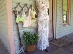 Vintage Loves New Collection: Back to the Garden  http://blog.freepeople.com/2012/06/vintage-loves-collection-garden/
