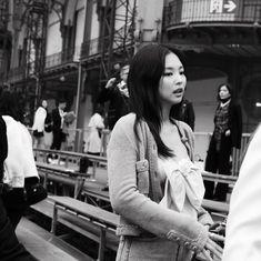 Jennie Kim at Chanel Event for Paris Fashion Week Kpop Girl Groups, Korean Girl Groups, Kpop Girls, Badass Aesthetic, Korean Aesthetic, New Zealand Cities, Lisa, Blackpink Memes, Jennie Kim Blackpink