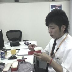 He eat lunch that is full of rice and shiokara.